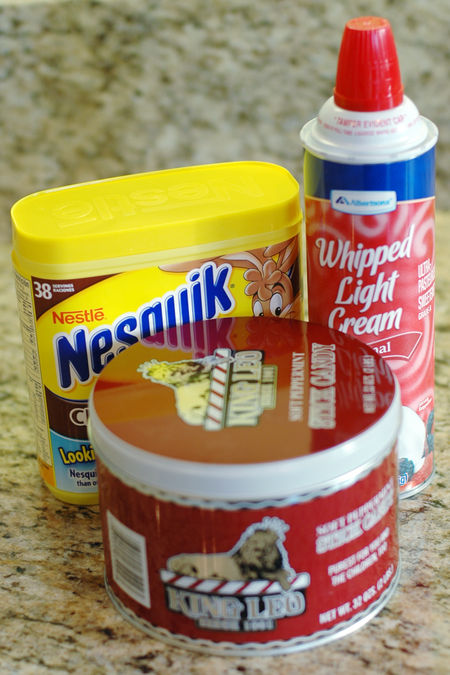 A hot cocoa ingredients