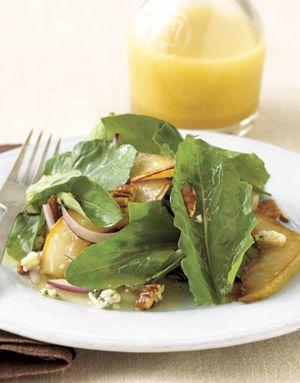 Sweet pear and gargonzola salad