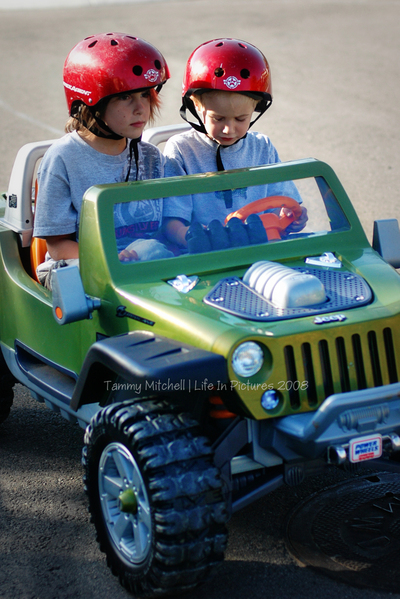 Jake_and_andy_jeep_web